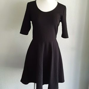 Olsenboye black flared dress size medium